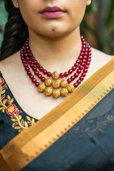 Buy readymade blouse online shopping india has got variety of blouse designs, designer blouses, ready to wear saree blouses. Jewelry Design Earrings, Gold Earrings Designs, Gold Jewellery Design, Bead Jewellery, Necklace Designs, Pendant Jewelry, Diamond Jewelry, Diamond Necklaces, Beaded Jewelry Designs