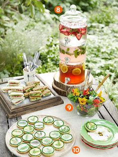 New Brunch Party Ideas Buffet Tables High Tea Ideas Glass Beverage Dispenser, Water Dispenser, Deco Champetre, Fingerfood Party, Party Nibbles, Garden Party Decorations, Wedding Decorations, Table Decorations, Garden Party Wedding
