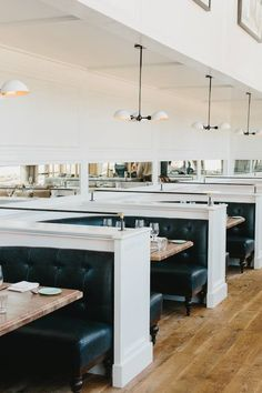 love the elegance and simplicity of this restaurant Decoration Restaurant, Deco Restaurant, Restaurant Seating, Restaurant Interior Design, Commercial Interior Design, Commercial Interiors, Cafe Bistro, Banquette Seating, Hospitality Design