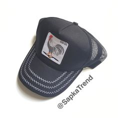 Siyah Horoz Resimli Cock Yazılı Goorin Bros Şapka  WhatsApp: 0537 680 74 12  Ürünün kargo hariç fiyatı 40 liradır.  Havale/EFT/Kapıda ödeme mevcuttur.  Siparisleriniz icin DM veya WhatsApp  Snapchat: SapkaVakti