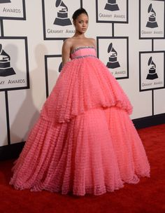 Rihanna, Lady Gaga, Beyonce, Rita Ora And More Look Delightful On The Grammys 2015 Red Carpet  - http://oceanup.com/2015/02/08/rihanna-lady-gaga-beyonce-rita-ora-and-more-look-delightful-on-the-grammys-2015-red-carpet/