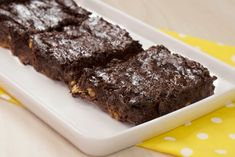 Brownie de Chocolate (sem glúten e sem lactose) - Vídeo Receita Lactose Free Recipes, Vegan Recipes, Sin Gluten, Healthy Cake, Wonderful Recipe, What To Cook, Master Chef, Sweet Recipes, Love Food