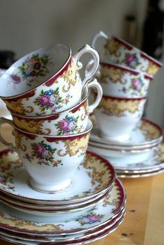 - Tea Set - Ideas of Tea Set - Tuscan fine English bone china teacups! Vintage Cups, Vintage Tea, Vintage China, Tea Cup Saucer, Tea Cups, Afternoon Tea Parties, China Tea Sets, Teapots And Cups, My Cup Of Tea