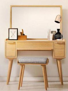wooden dressing table design ideas for small bedrooms 2018 catalogue This is a full guide to choosing your 2018 Dressing tables for bedroom: design, style, ideas, storage, modern dressing table designs for small bedrooms Modern Dressing Table Designs, Small Dressing Table, Bedroom Dressing Table, Dressing Table Vanity, Vintage Dressing Tables, Vanity Tables, Dresser Table, Oak Dresser, Small Bedroom Designs