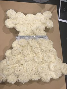 Wedding dress cupcakes Wedding Dress Cupcakes, Confetti Cupcakes, Wedding Dresses, Desserts, Bride Dresses, Tailgate Desserts, Bridal Gowns, Deserts, Postres