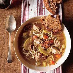 Supa de pui cu varza si mere - Foodstory.stirileprotv.ro