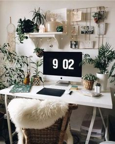 room makeover aesthetic 57 Fabulous Ideas White Walls Green Plants and Fairy Lights Perfect For Your Favorite Bedroom Bedroom Desk, Bedroom Inspo, Bedroom Furniture, Office Furniture, Aesthetic Room Decor, Book Aesthetic, Living Room Art, Home And Deco, Trendy Bedroom