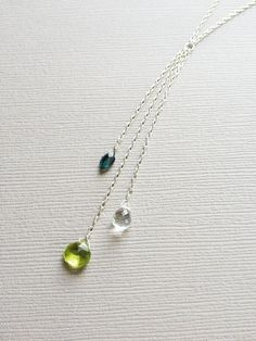 A fresh interpretation of the traditional Mother's necklace!