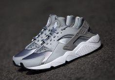 """Nike Air Huarache """"Grey Neoprene"""" - SneakerNews.com"""