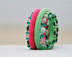 Crochet beaded wrap memory wire bracelet pink and от byMarianneS