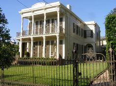 NFL Player Payton Manning's Childhood New Orleans Home