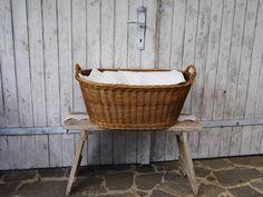Vintage Körbe - Vintage Weidenkorb / Wäschekorb - ein Designerstück von…