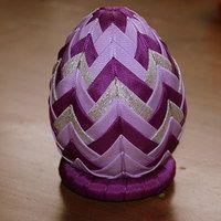 Artyč.technika-velikonoce / Zboží prodejce Miluš   Fler.cz Quilted Ornaments, Fabric Ornaments, Easter Projects, Projects To Try, Bow Hanger, Diy And Crafts, Arts And Crafts, Faberge Eggs, Easter Eggs