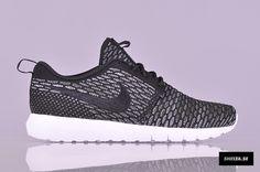 Nike Sportswear Flyknit Rosherun (677243-003)