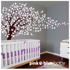 Thought of you @Holly Deng when I saw this adorable wall decal for a baby's room! I could totally see you doing this for little Eva!