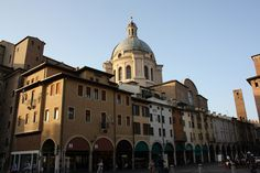 Mantova, Italia. A wonderful town. Peaceful & charming. I would definitely go live there
