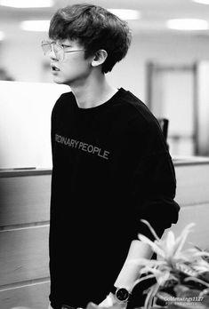 """Chanyeol in specs - an appreciation thread -"" Chanbaek, Kaisoo, Baekhyun Chanyeol, Shinee, Chen, Rapper, Luhan And Kris, Music Genius, Kpop Exo"
