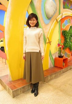 松井愛|今週の衣装|せやねん!|MBS毎日放送 Waist Skirt, High Waisted Skirt, Cool Outfits, Female, Boots, Skirts, Women, Fashion, Crotch Boots