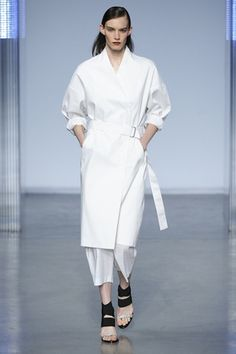 Helmut Lang New York S/S #Design #contemporary #Couture #Fashion #black , #white , #minimal, #simple , #aesthetic , #composition #mode #simple, #Fashiondesign