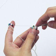 Koraliki tudzież: kurs sznurów szydełkowo-koralikowych