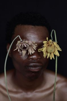 Self-taught photographer Nonzuzo Gxekwa explores identity issues through photography   CityLife Arts Structured Fashion, Africa Art, Virtual Art, School Photography, Street Culture, Work Looks, African Design, Photography Equipment, Art Fair