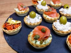 Tartaletas saladas Vol Au Vent, Canapes, Sushi, Sandwiches, Cheesecake, Brunch, Food And Drink, Appetizers, Favorite Recipes