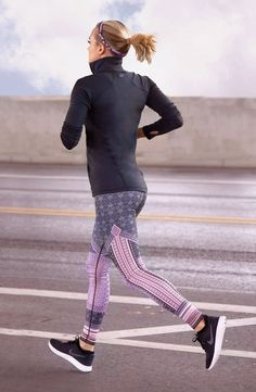 Cute running outfit ideal for staying warm during outdoor workouts.| CALIA by Carrie Underwood