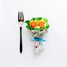 【 #おうちごはん通信 】photo by @bouquetsalad 最近話題のブーケサラダを知っていますか?😊🎶まるで本物のブーケのようなサラダなんです💐✨とっても素敵な@bouquetsaladさんのブーケサラダは、サーモンローズとアボカドでできたもの❤️色々なブーケサラダをぜひチェックしてみてください😛💕 . ★詳しくは @lin_stagrammer プロフィールURLから見てくださいね! 「簡単なのにかわいすぎる!ブーケサラダで食卓に華を添えましょう」 https://ouchi-gohan.jp/251 / . . . .  #ブーケサラダ#サラダ#とりあえず野菜食#あなたにブーケ#ブーケ #野菜を食べよう#モアベジ #bouquet#salad#vegetable#healthy#salmon#avocado#instafood #LIN_stagrammer #delistagrammer #デリスタグラマー #ouchigohan #おうちごはん #いつものいただきますを楽しく . . [staff : やよし]