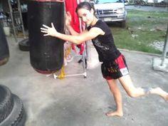 Skipping knees on heavy bag Muay Thai   Muay Boran   Thai Kickboxing#muaythai
