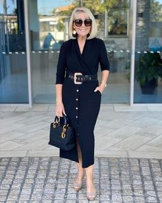 Summer Office Outfits, Stylish Summer Outfits, Over 60 Fashion, Estilo Fashion, Business Dresses, Look Cool, Fashion Dresses, Clothes For Women, Womens Fashion