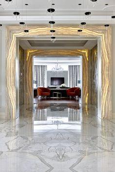 Мраморный дворец: роскошный дом, отделанный натуральным камнем