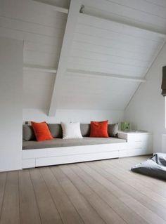 Interieur ideeën voor een schuin dak op zolder via www.stijlidee.nl
