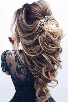 68 Stunning Prom Hairstyles For Long Hair For 2019 – Hair Creations Fluidity – … - Cute Hairstyles Long Hair Wedding Styles, Wedding Hairstyles For Long Hair, Wedding Hair And Makeup, Bride Hairstyles, Hairstyles 2018, Hair Styles For Prom, Long Prom Hair, Hair For Prom, Elegant Hairstyles