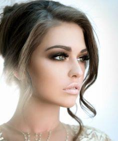 Braucht Ihr Hilfe bei Eurem Brautstyling? Wir helfen Euch gerne bei dem perfekten Haar & Make up Styling weiter.                                 Inspiration Brauthaarstyling www.studiowedding.de