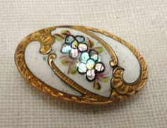 "Antique Oval Enamel Button w Gilt 7 8"" ❤❤❤<3"