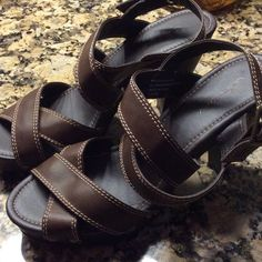 "Union Bay platform sandals.  NWOT Brown Union Bay platform heels.  Straps attached with studs, tan top-stitching.  Medium width.  4"" heels, 1"" front platform.  030807 Unionbay Shoes Heels"