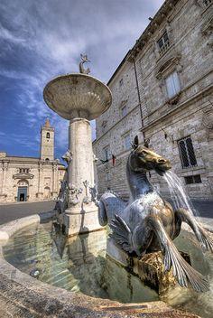 Piazza Arringo, Ascoli Piceno, Marche, Italy