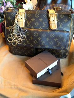 Louis Vuitton Viva Cite Shoulder Bag $700
