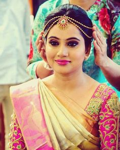 The Master Craftsman At Work - The Making Of Queens Jewels Bridal Hairstyle Indian Wedding, South Indian Bride Hairstyle, Bridal Hairdo, Indian Bridal Makeup, Wedding Makeup, Saree Hairstyles, Indian Wedding Hairstyles, Bride Hairstyles, Pattu Saree Blouse Designs