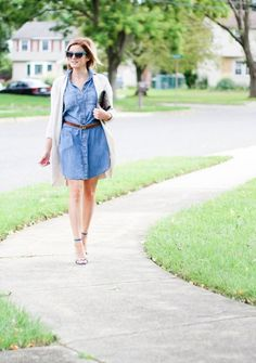 Denim dress paired with a long cozy cardigan and block heels for a casual fall look Fall Looks, Casual Fall, Denim Skirt, Chain, Skirts, Dresses, Fashion, Vestidos, Moda