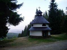 Rotunda sv. Antonína Peduánského  - kaple při cestě z osady Javorník k rozhledně byla postavena v roce 1939.