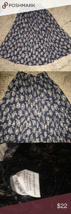 New Duo designs broomstick crinkled floral skirt NWOT.. Southwestern style skirt by duo designs. Skirt is navy blue and tan floral broomstick skirt. Perfect for this summer with a tank top! Ul look different!  size is one size.. Could fit a S,M or L. Duo designs Skirts Maxi