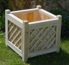 "18"" Cedar Cube Planter"