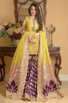 Pakistani Mehndi Dress, Bridal Mehndi Dresses, Bridal Dupatta, Mehendi Outfits, Pakistani Formal Dresses, Party Wear Indian Dresses, Pakistani Fashion Party Wear, Designer Party Wear Dresses, Indian Gowns Dresses