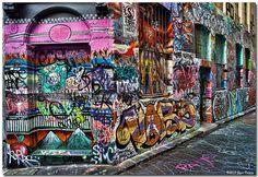 Graffiti in Hosiers Lane near Federation Square Melbourne Street Mural, 3d Street Art, Street Art Graffiti, Street Artists, Melbourne Graffiti, New York Graffiti, Melbourne Street, Graffiti Wall Art, Graffiti Words