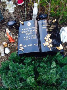 Så er min far's gravsten også ankommet !