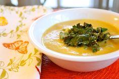 // Easy Vegan Cheddar Cauliflower Soup