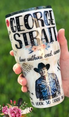 Oh. My. Goodness 😍 I love Diy Tumblers, Glitter Tumblers, Glitter Cups, Custom Tumblers, Silouette Cameo Projects, Tumblr Cup, Tumbler Designs, Garth Brooks, Cute Cups