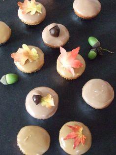 Makiko Searle - Japanese Autumn, Maki's individual cake (detail)
