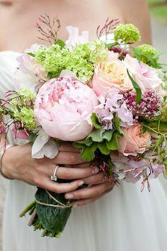 sweet pea flower arrangements in mason jars | July Seasonal Wedding Flowers — Sweet peas